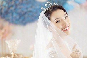 Á hậu Hoàng Oanh nói về bạn trai Tây sắp kết hôn