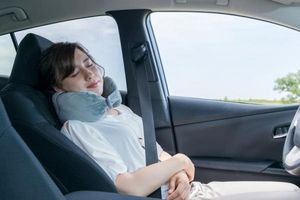Nguyên nhân bạn cảm thấy đau chân khi ngồi lái xe