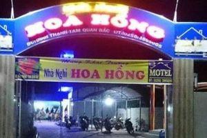 Cảm phục chủ nhà nghỉ lo ăn, ở miễn phí cho người dân vùng tâm bão Bình Định