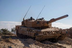 'Báo vàng' Leopard 2A4 Thổ Nhĩ Kỳ bị tên lửa chống tăng Mỹ 'thổi' bay tháp pháo