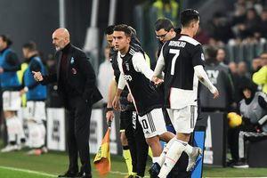Ronaldo bỏ về sớm sau khi bị thay ra ở phút 55