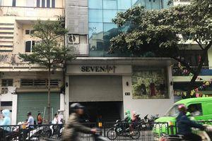 SEVEN.am bị tố nhập hàng Tàu rồi cắt mác: Hàng loạt cửa hàng ở Hà Nội đóng cửa