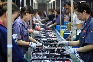 Hàng hóa giá rẻ của Trung Quốc tiếp tục tràn ngập thế giới, kéo giảm giá cả ở mọi nơi