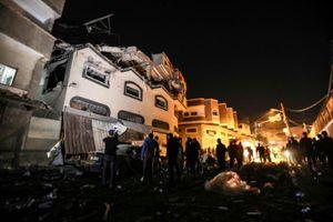 Tên lửa bắn liên tiếp ở Gaza sau khi cuộc tấn công của Israel giết chết một chỉ huy cấp cao Palestine