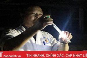 Theo chân y, bác sỹ Hà Tĩnh bắt 'thủ phạm' gây bệnh sốt rét
