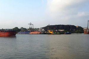 Dân Nam Định 'gánh' sạt lở, hít bụi từ... Ninh Bình