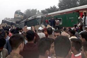 Hai tàu hỏa đâm trực diện, ít nhất 54 người thương vong