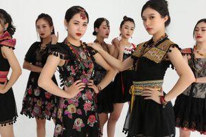 NTK Cao Minh Tiến bị dàn mỹ nữ vây quanh trong MV 'Inh lả ơi' bản EDM
