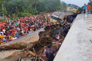 Bangladesh: Tàu hỏa đấu đầu, hơn 70 người thương vong