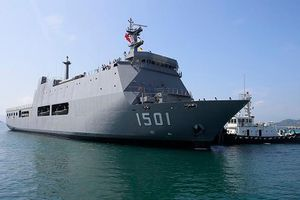 Sức mạnh tàu đổ bộ 'khủng' nhất Đông Nam Á vừa đến Việt Nam