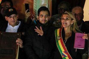 Người tự tuyên bố là 'tổng thống lâm thời' Bolivia