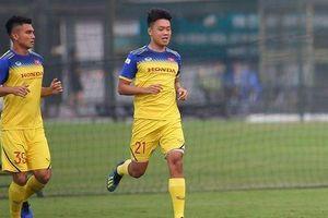 Lý giải việc 2 cầu thủ Việt Nam bị loại khỏi danh sách đấu UAE