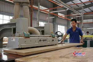 Ông chủ xưởng gỗ trưởng thành sau khóa học nghề thiết thực