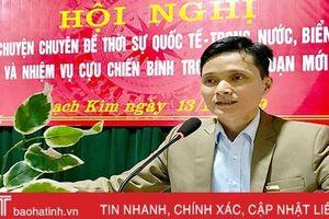 Nói chuyện thời sự, biển đảo với 200 cựu chiến binh xã biển ở Hà Tĩnh