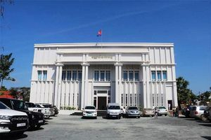 Đại sứ quán Việt Nam tặng sách cho thư viện Cam-pu-chia