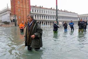 Triều cường cao nhất hơn nửa thế kỷ, hơn 80% 'thành phố tình yêu' ngập trong nước