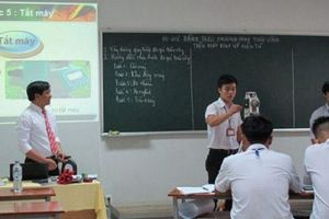 Phú Yên: Sở Nội Vụ đề nghị tạm dừng thi tuyển để tuyển dụng đặc cách giáo viên hợp đồng