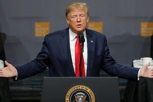 Tổng thống Mỹ Donald Trump: 'Tại Bắc Kinh tôi đã nói thẳng với ông Tập Cận Bình là Trung Quốc rất xấu xa, ông ấy đã tức muốn chết!'
