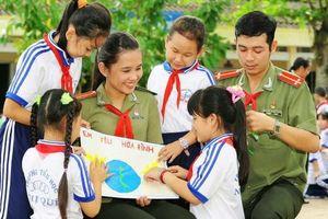 Năm mươi năm Công an nhân dân thực hiện Di chúc của Chủ tịch Hồ Chí Minh, luôn xứng đáng là lực lượng vũ trang trọng yếu, tuyệt đối tin cậy của Đảng, Nhà nước và nhân dân