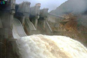 An toàn hồ đập trong mưa lũ tại Thừa Thiên-Huế được bảo vệ thế nào?