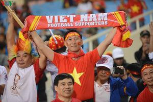 CĐV Việt Nam biến Mỹ Đình thành 'chảo lửa' tiếp đón ĐT UAE