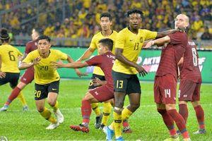 Thua ngược trước ĐT Malaysia, ĐT Thái Lan mất ngôi đầu bảng