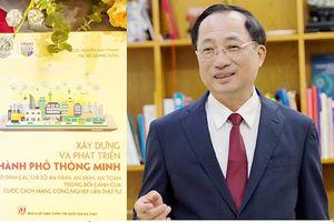 Thứ trưởng Bộ Công an ra mắt sách về thành phố thông minh
