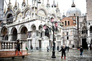 Venice chống chọi triều cường