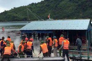 Đoàn cưỡng chế ở Vân Đồn bị ném bom xăng, 3 người bỏng