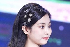Top 3 mỹ nhân sở hữu bờ vai gợi cảm 'chết người' của Kpop
