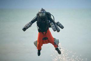'Iron Man' - người Anh lập nên kỷ lục thế giới mới