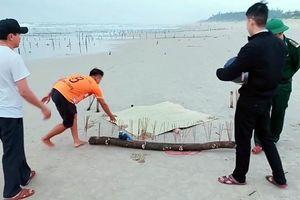 Xác người không đầu trôi vào bờ biển Quảng Nam