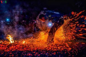 Tưng bừng lễ hội 'Nhảy lửa' của người Pà Thẻn ở Hà Giang