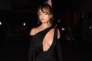 'Người mẫu nội y' Demi Rose trang điểm màu nude xinh đẹp dự tiệc đêm