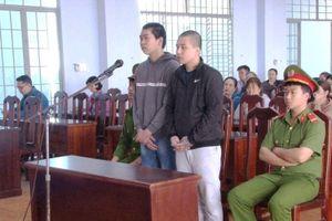 Hai đối tượng cướp tài sản của du khách nước ngoài lĩnh án 90 tháng tù