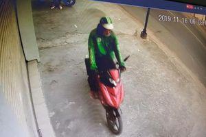 Vờ hỏi đường cướp xe máy nữ sinh tại TP.HCM