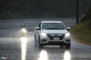 Hệ thống hỗ trợ lái trên ôtô không thể thay thế tài xế