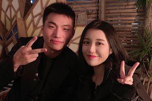 Han Sara chụp ảnh cùng thành viên Big Bang