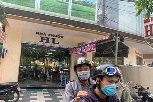 Đi khám, người phụ nữ 65 tuổi ho ra máu và gục chết gần tiệm thuốc