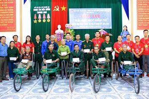 Tuổi trẻ Khối Các cơ quan tỉnh tặng quà, giao lưu với các thương, bệnh binh