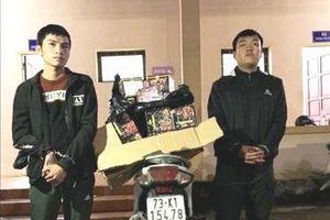 Bắt quả tang vụ vận chuyển lượng lớn pháo lậu tại Quảng Bình
