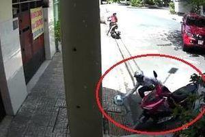 Kẻ gian trộm xe máy, để lại mũ bảo hiểm