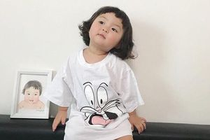 Hot kid Hàn Quốc được gọi là thánh meme vì gương mặt biểu cảm