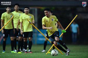 Cận cảnh buổi tập của đội tuyển Thái Lan trên sân Viettel