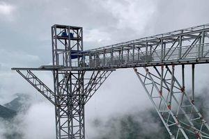 Cầu kính Rồng Mây đầu tiên ở Việt Nam vừa chính thức mở cửa có gì đặc biệt?