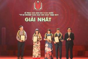 44 tác phẩm được trao giải vì sự nghiệp giáo dục