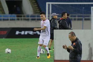 HLV Park Hang-seo cầu nguyện trước trận đấu với Thái Lan