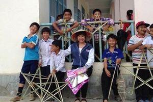 Chuyện 'ngược đời' của một giáo viên xã Cư San