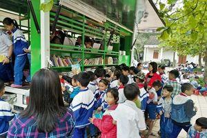 Hà Giang: Phát triển văn hóa đọc với xe thư viện lưu động đa phương tiện