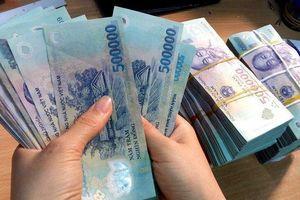 Lợi nhuận 'khủng': Ngân hàng trả công cho nhân viên gần cây vàng mỗi tháng